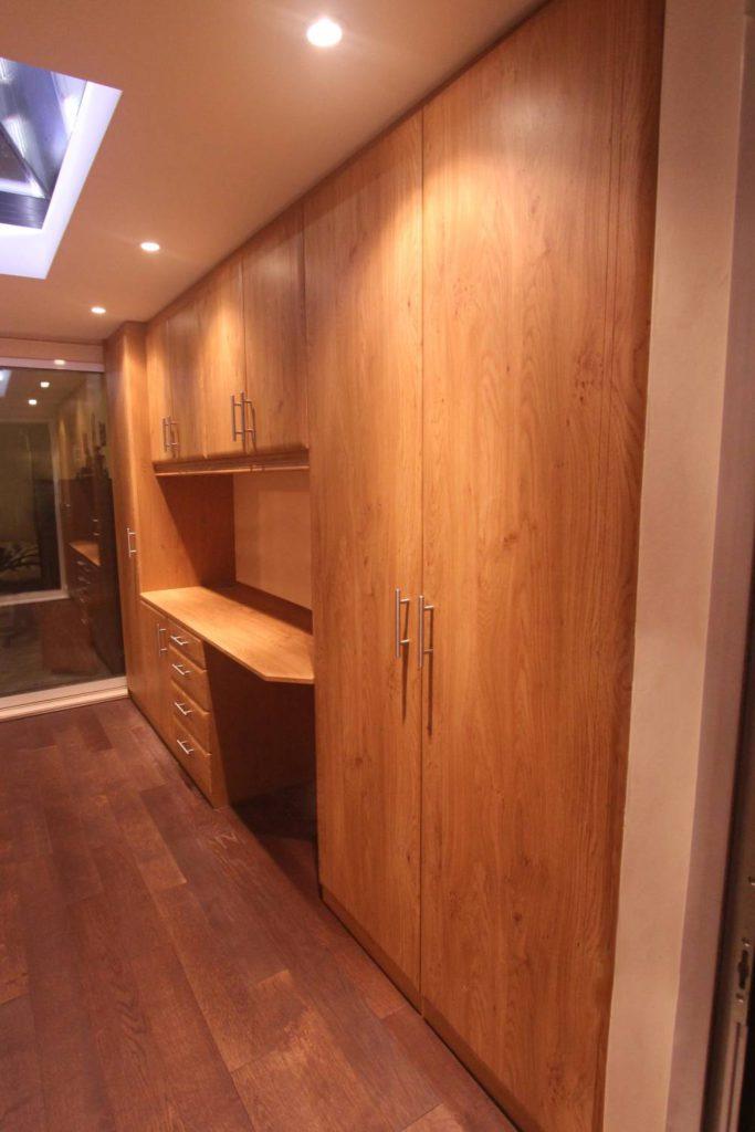 Oak office furniture, Cheshunt EN8
