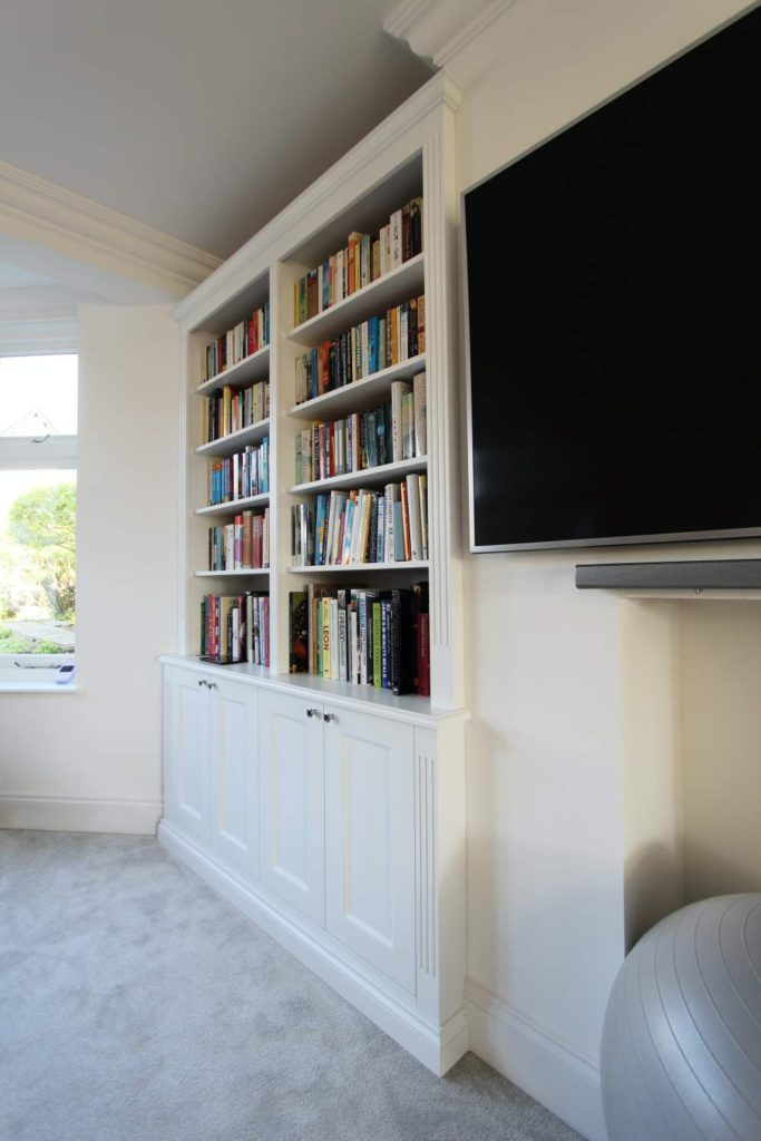 Alcove fitted shelving cabinet, Cockfosters EN2