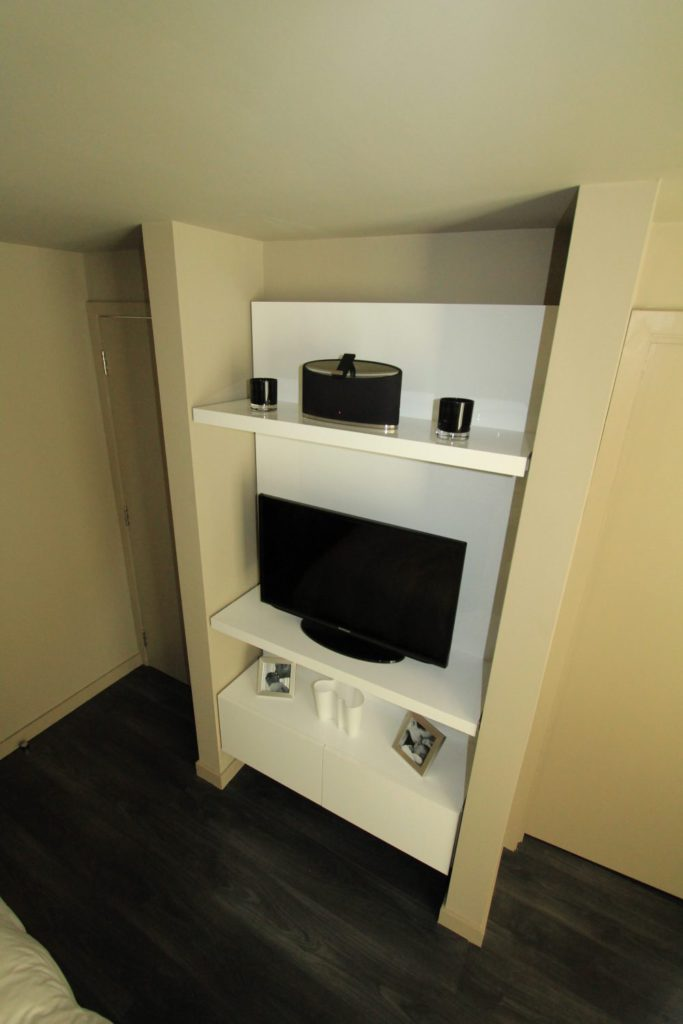 Bespoke fitted entertainment furniture, Winchmore Hill, N21